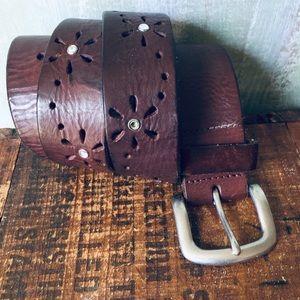 Aeropostale brown leather flower design belt S